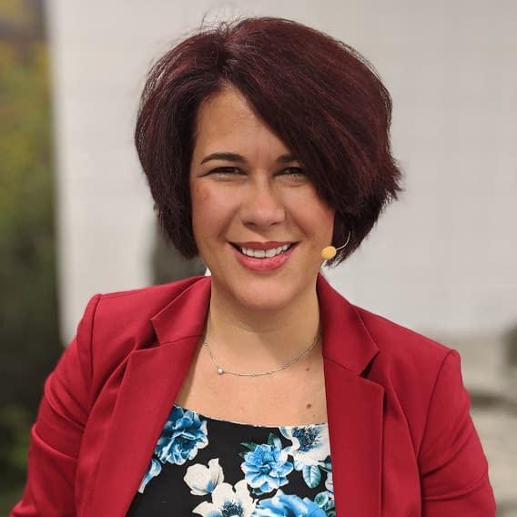 Dr. Sarah Andreas